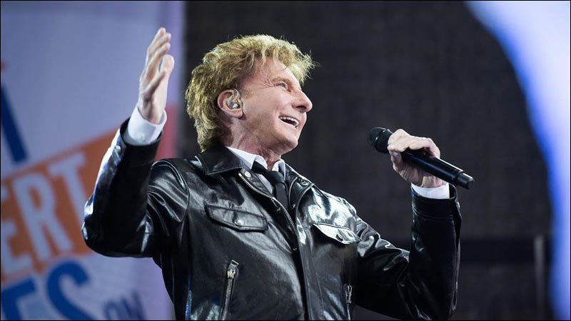 Barry Manilow Performs on The TODAY Show.