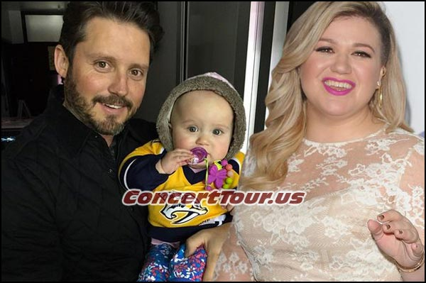 Picture of Kelly Clarkson, her husband Brandon Blackstock and their first baby girl River Rose