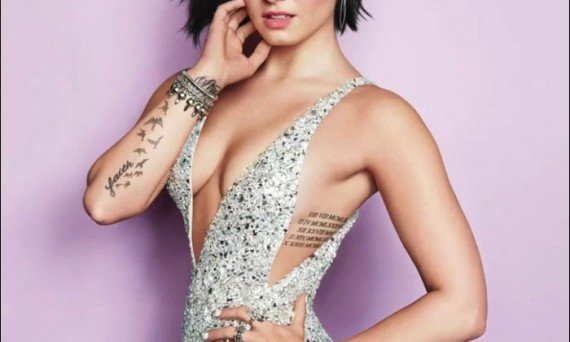 Look how beautiful Demi Lovato is! She's grown into a gorgeous young superstar that fans love so much.