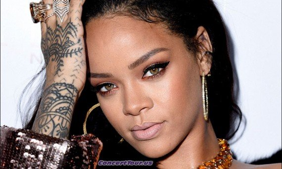 Fans of Rihanna can barely contain themselves. First the new 'Anti' album, and now a big 2016 tour!