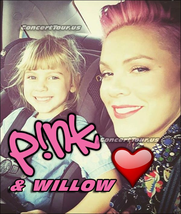 Look how adorable mom and daughter are! PINK and WILLOW make this such a wonderful picture.