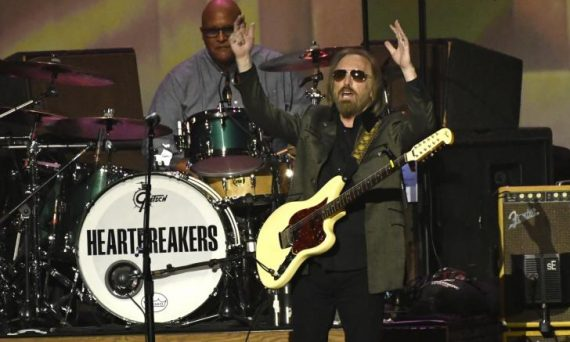 Tom Petty and The Heartbreakers take to the stage to cranks out all your favorite songs.