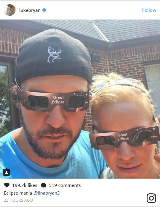 Luke Bryan tweets out on the day of the eclipse 'Eclipse Mania' with his family.